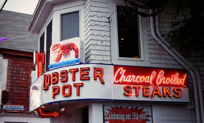 restaurant-lighting-lobster-neon